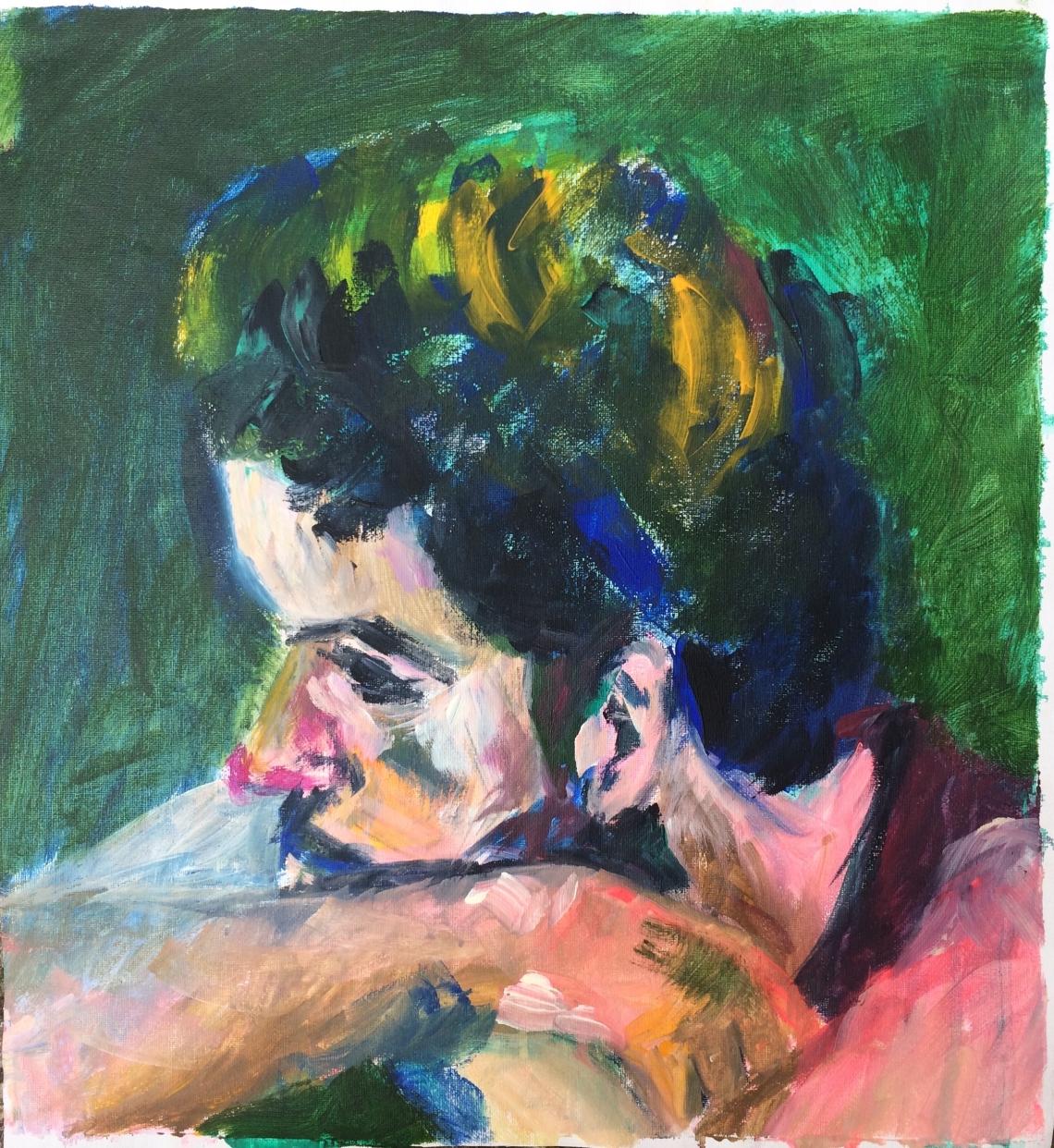 Mann auf gruenem Hintergrund